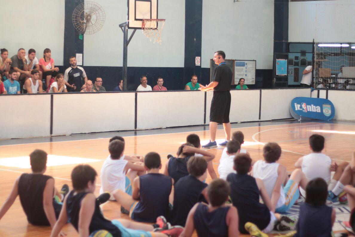 Rosario tuvo su clínica para entrenadores gracias al Jr. NBA